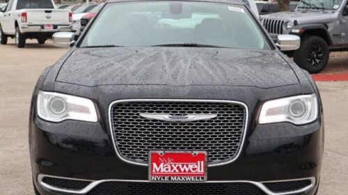 Buy 2019 Chrysler 300 Touring RWD